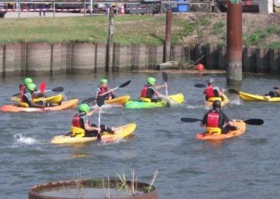De kano leuke outdoor oefeningen